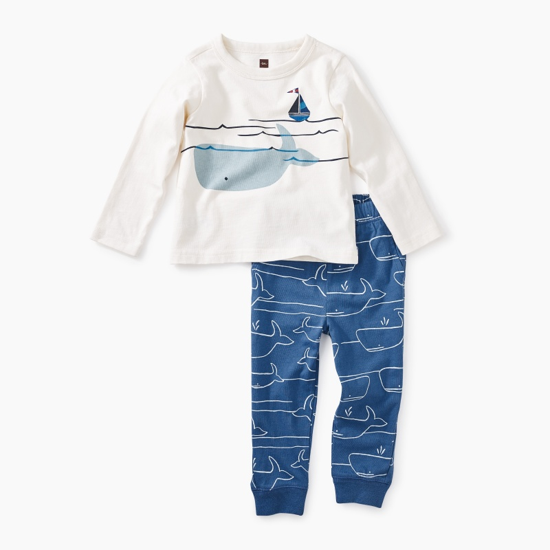 Diving Whale Graphic Baby Set