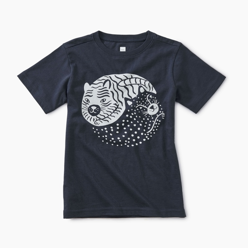 Yin Yang Cat Graphic Tee